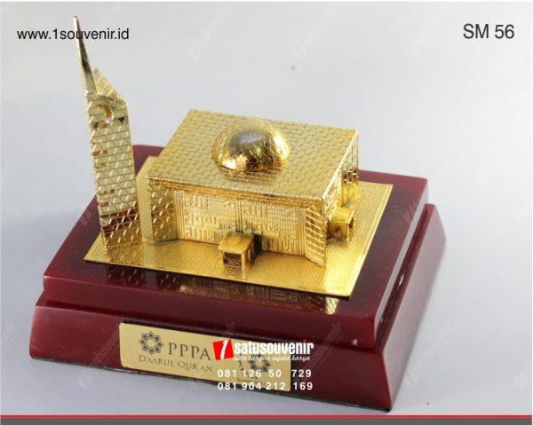 logam kuningan souvenir miniatur masjid
