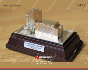 souvenir miniatur bangunan