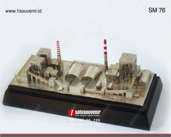 souvenir miniatur pertambangan