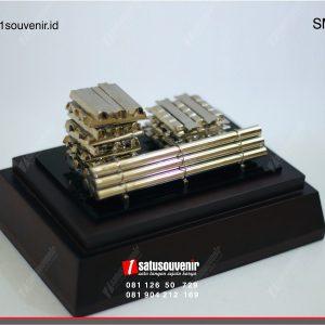 souvenir miniatur pipa