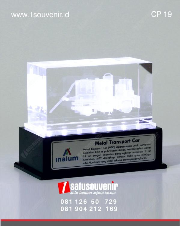 plakat kristal 3d alat berat pt inalum