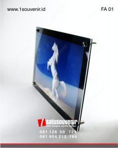 frame acrylic eksklusif