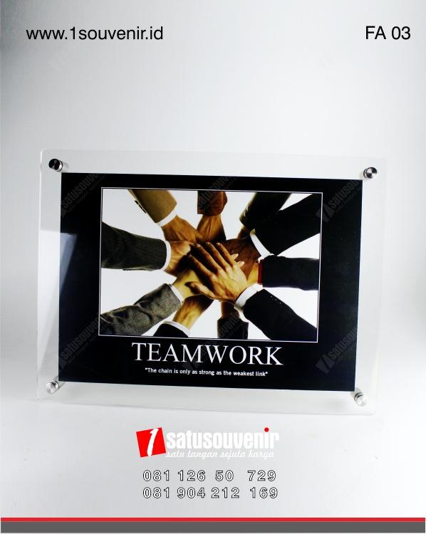 produk frame Akrilik