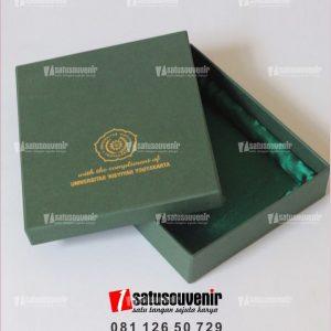 kotak box hardpaper universitas aisyah yogyakarta