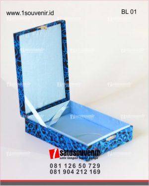 kotak box beludru batik
