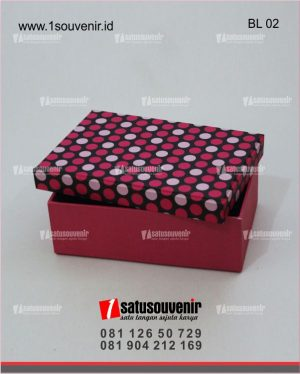 kotak box beludru kotak kado