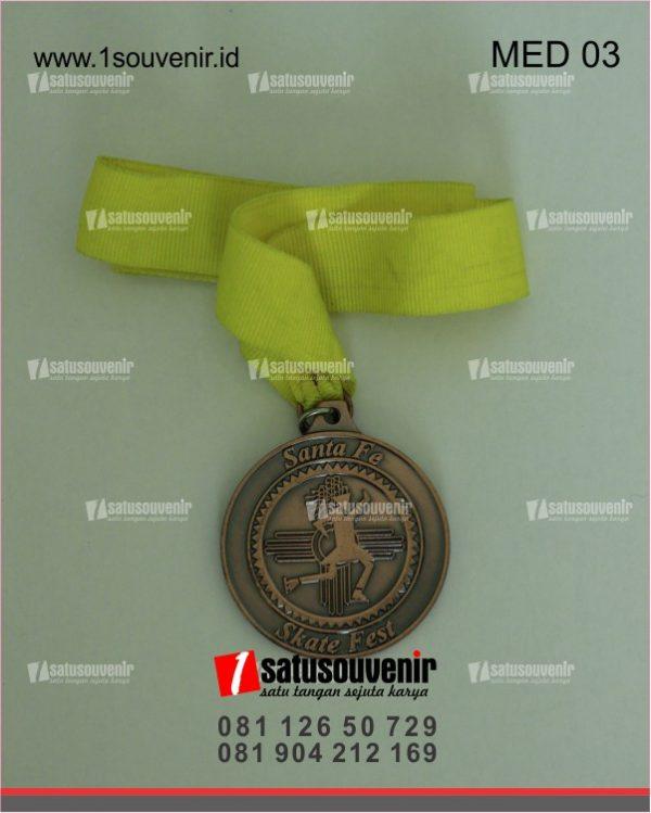 medali emas olahraga santa fe skate fest