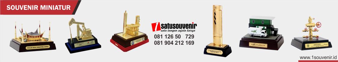 kategori souvenir miniatur - 1souvenir.id