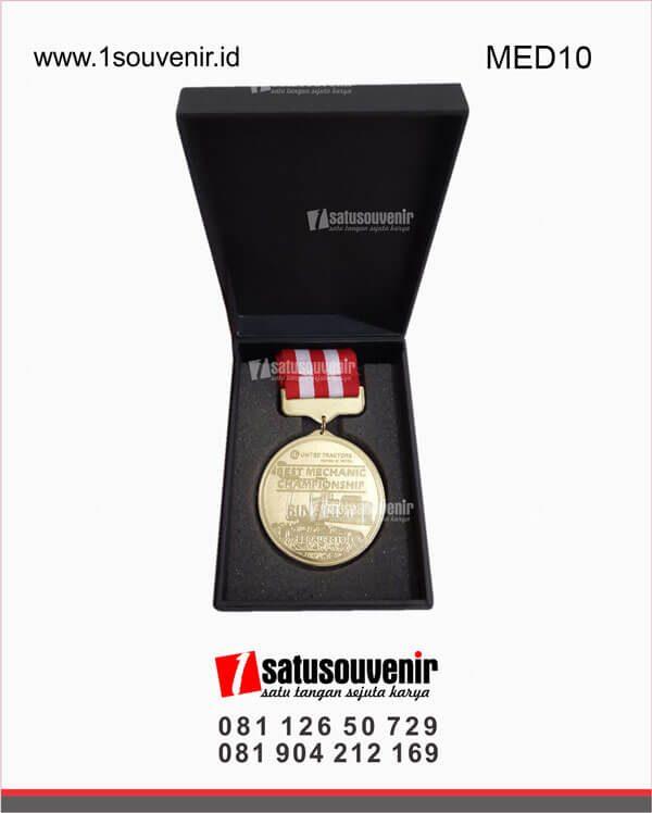 medali olahraga united tractors berau