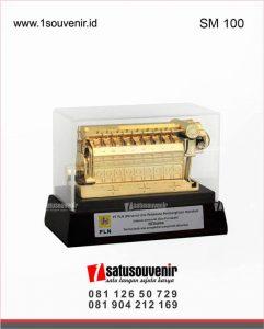 souvenir miniatur pltd pt pln unit pelaksana pembangkitan mahakam