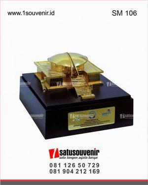 souvenir miniatur gedung mpr ri