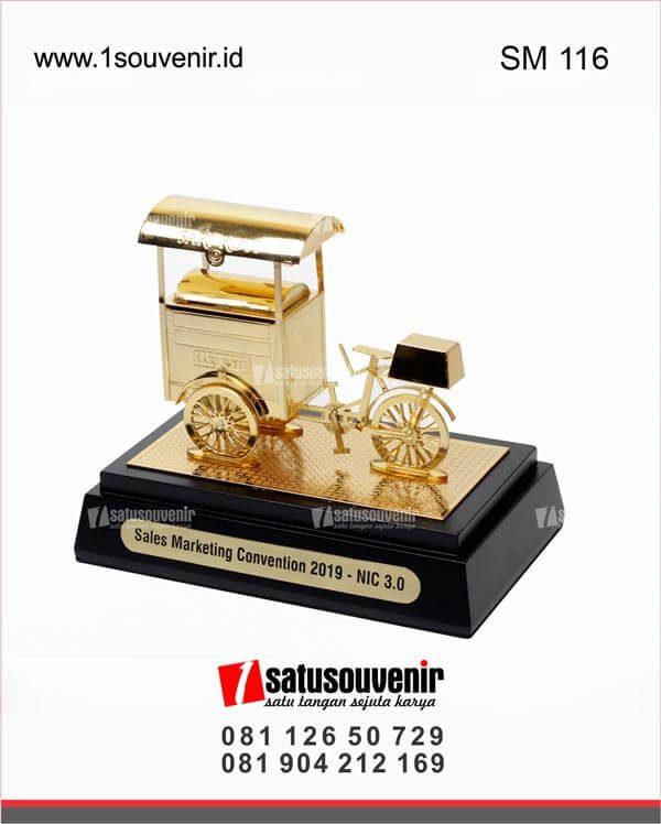 souvenir miniatur gerobak sari roti sales marketing convention 2019