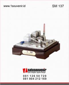 souvenir kantor miniatur gedung pt tenaga listrik bengkulu