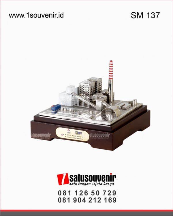 souvenir miniatur gedung pt tenaga listrik bengkulu