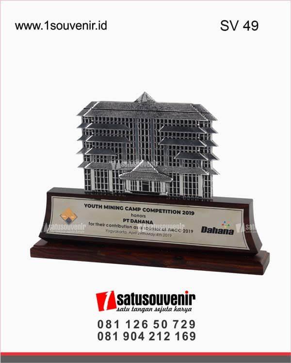 souvenir perusahaan youth mining camp competition pt dahana