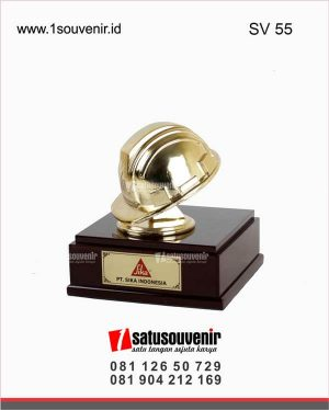 souvenir perusahaan helm tembaga pt sika indonesia