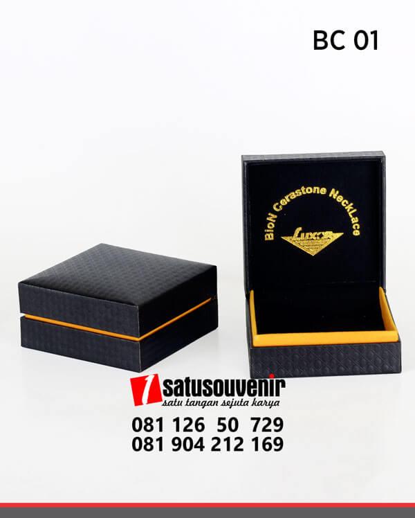 BC01 Box Custom Blon Cerastone NeckLace