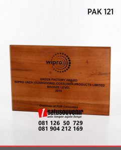 PAK121 Plakat Kayu Wipro Green Factory Award