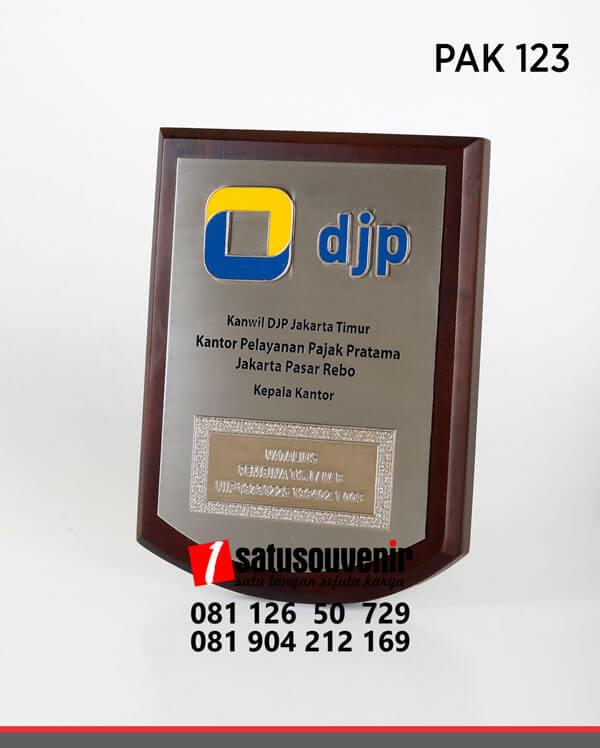 PAK123 Plakat Kayu DJP Kanwil Jakarta Timur