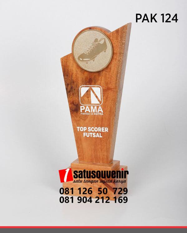 PAK124 Desain Plakat Kayu Penghargaan Top Scorer Futsal Pama
