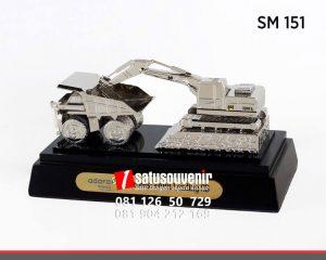 SM151 Souvenir Miniatur Alat Berat Pertambangan Adaro Mining souvenir custom